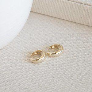 *NEW* 14K Gold Plated Hoop Earrings